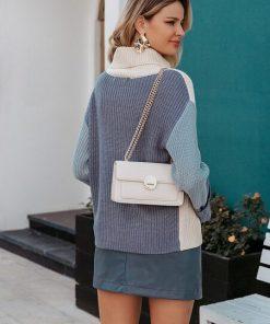 buso cuello alto beige gris outfit