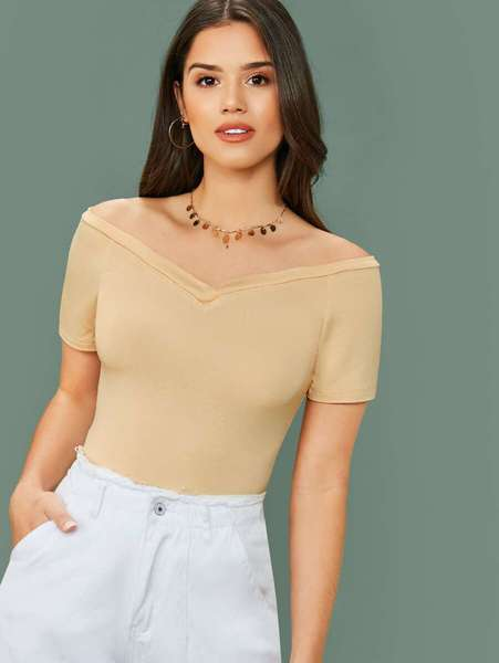Blusa hombros descubiertos beige